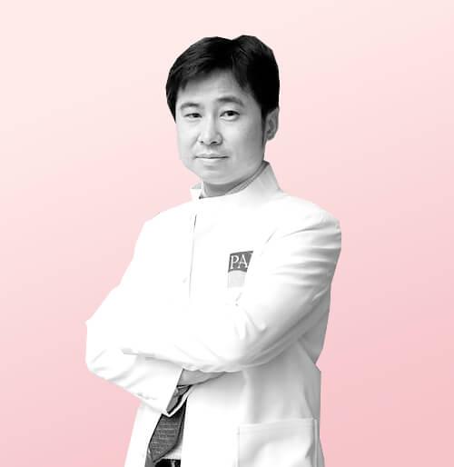 Доктор Dr.burin Wangjiraniran , профессор, Md. Frcs